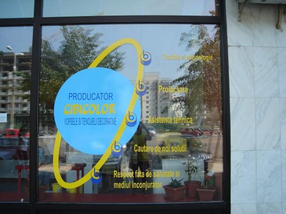 decorari-vitrine-autocolant-decupat